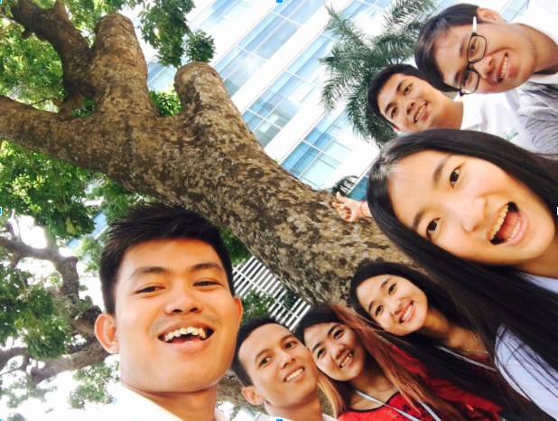 TechCamp Participants pose for a #Treefie, part of a social media campaign to raise awareness about planting trees to prevent flooding.