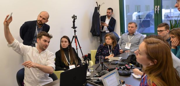 Participants at TechCamp Warsaw discuss technology
